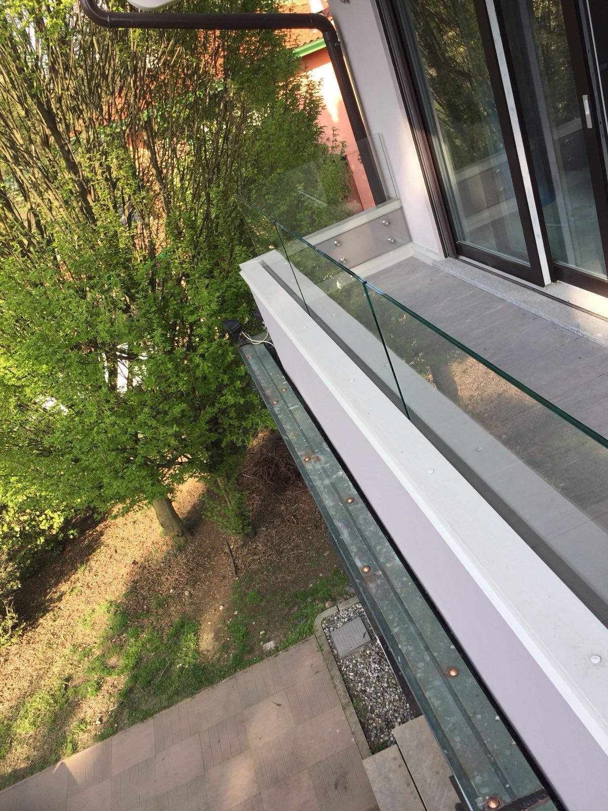 balaustra vetro balcone